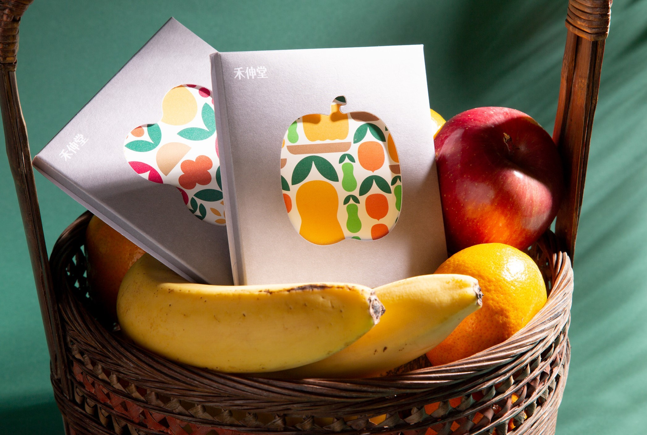 Behance: Very nice fruit-based branding work for a company by the name of Holystone